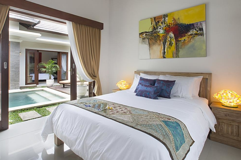 Bedroom with Pool View - Villa Ashna - Seminyak, Bali