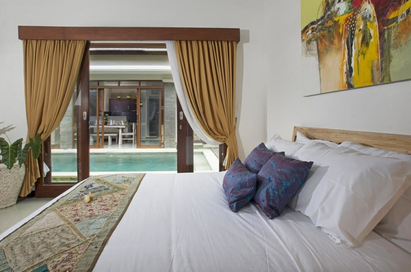 King Size Bed with Pool View - Villa Ashna - Seminyak, Bali