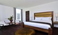 Bedroom with Seating Area - Villa Ashoka - Canggu, Bali