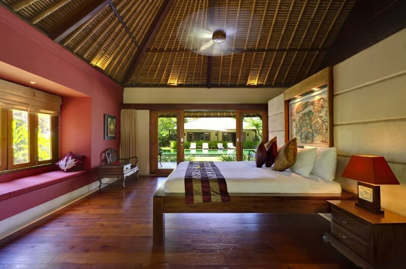 Spacious Bedroom with Wooden Floor - Villa Asmara - Seseh, Bali