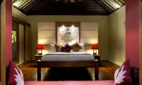 Bedroom with Table Lamps - Villa Asmara - Seseh, Bali