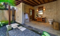 Semi Open Bathroom with Shower - Villa Asmara - Seseh, Bali