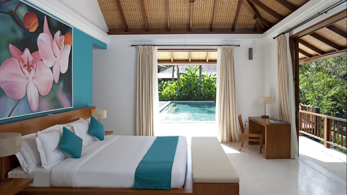 Bedroom with Study Table - Villa Atacaya - Seseh, Bali