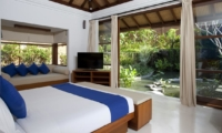 Bedroom with Sofa and TV - Villa Atacaya - Seseh, Bali
