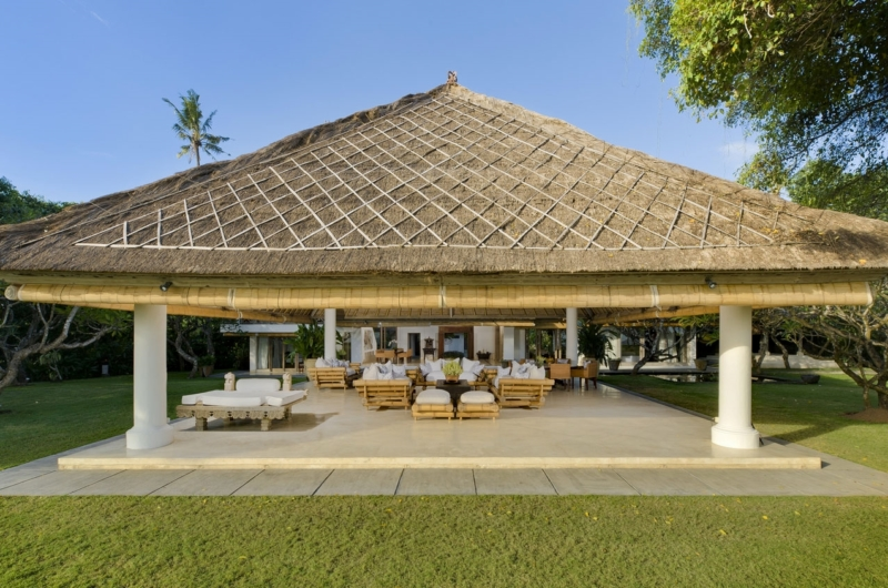 Open Plan Seating Area - Villa Atas Ombak - Batubelig, Bali