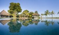 Pool - Villa Atas Ombak - Batubelig, Bali