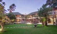 Gardens and Pool - Villa Avalon Bali - Canggu, Bali