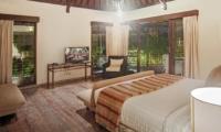 Bedroom with Seating Area - Villa Avalon Bali - Canggu, Bali