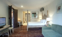 Bedroom with Seating Area and TV - Villa Avalon Bali - Canggu, Bali