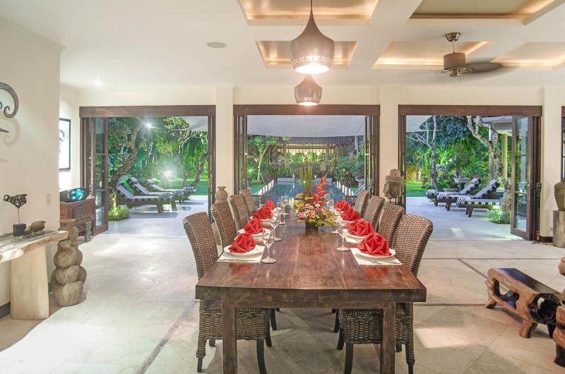 Dining Area with Pool View - Villa Avalon Bali - Canggu, Bali