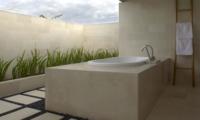En-Suite Bathtub - Villa Babar - Tabanan, Bali