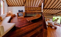 Lounge Area with Wooden Floor - Villa Bali Bali - Umalas, Bali