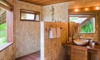 Bathroom with Mirror - Villa Bali Bali - Umalas, Bali