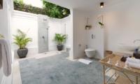 Semi Open Bathroom - Villa Batujimbar - Sanur, Bali