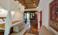 Bedroom with Wooden Floor - Villa Batujimbar - Sanur, Bali