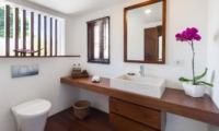 Bathroom with View - Villa Batujimbar - Sanur, Bali