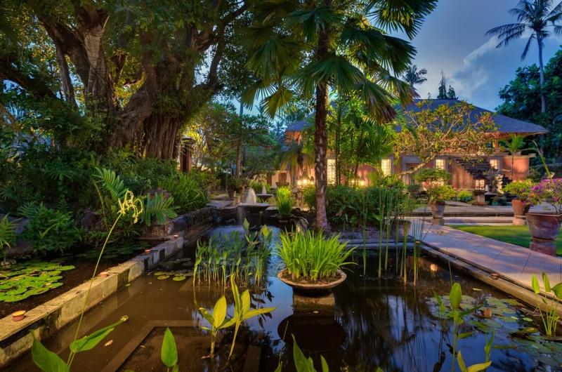 Gardens with Water Features - Villa Batujimbar - Sanur, Bali