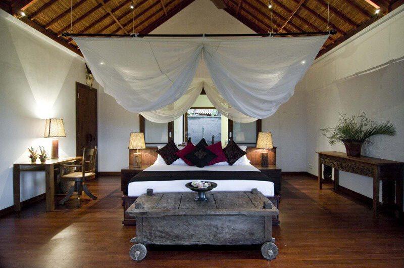 Bedroom with Wooden Floor - Villa Bayad - Ubud, Bali