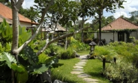 Pathway to the Villa - Villa Bayad - Ubud, Bali
