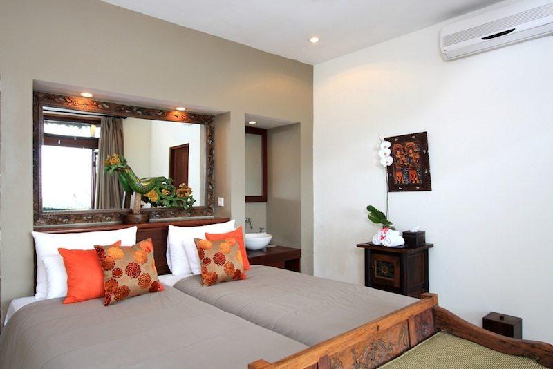 Bedroom with Seating Area - Villa Bayu - Uluwatu, Bali