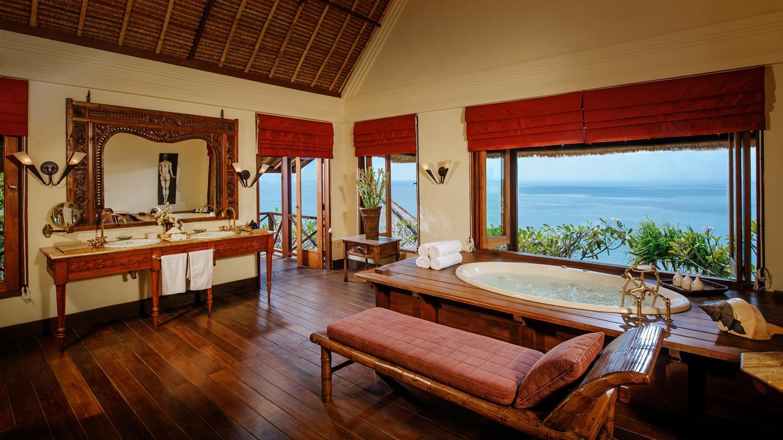 En-Suite His and Hers Bathtroom - Villa Bayuh Sabbha - Uluwatu, Bali