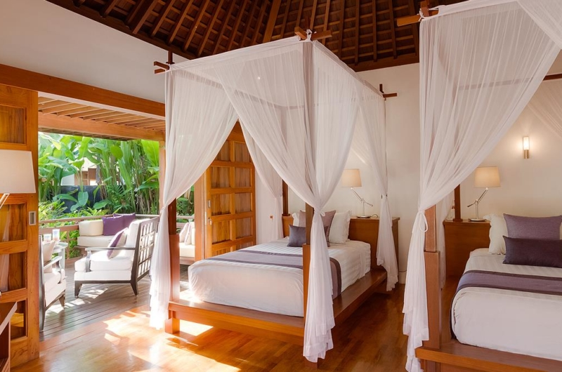 Twin Bedroom with Wooden Floor - Villa Beji - Canggu, Bali