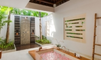 Semi Open Bathroom with Shower - Villa Beji - Canggu, Bali