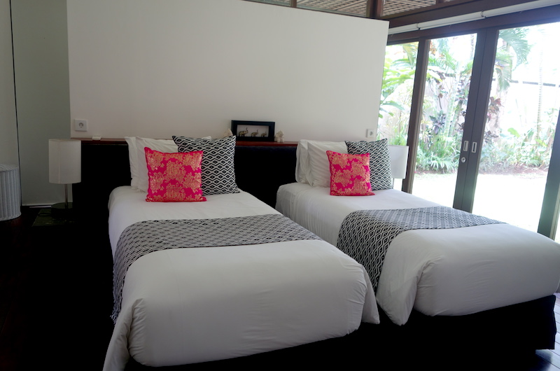 Twin Bedroom - Villa Bendega Nui - Canggu, Bali