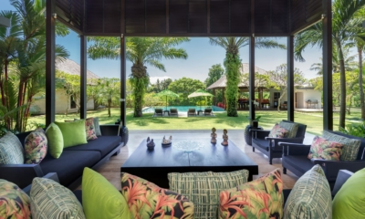 Lounge Area with Pool View - Villa Bendega Nui - Canggu, Bali