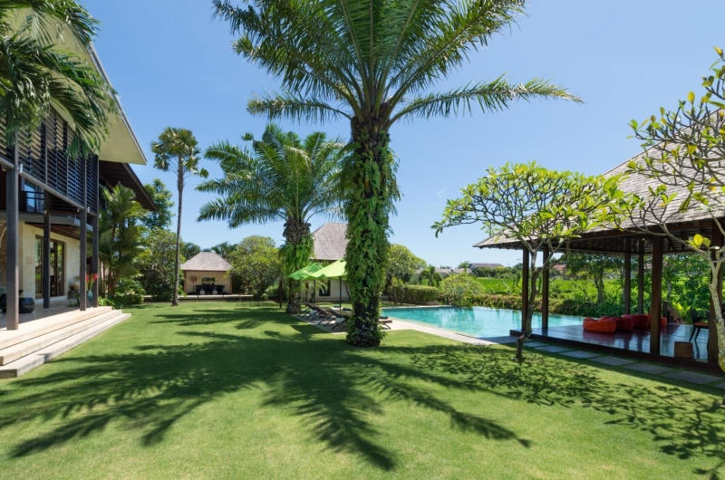 Gardens and Pool - Villa Bendega Nui - Canggu, Bali