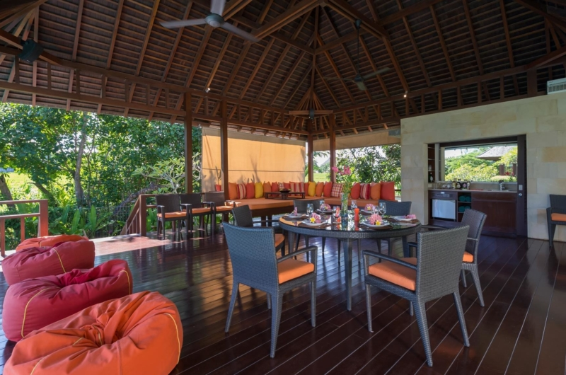 Living and Dining Area with Wooden Floor - Villa Bendega Nui - Canggu, Bali