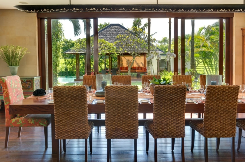Dining Area with Pool View - Villa Bendega Nui - Canggu, Bali