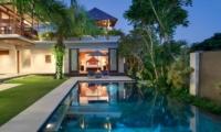 Reclining Sun Loungers - Villa Bendega Rato - Canggu, Bali