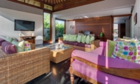 Living Area with TV - Villa Bendega Rato - Canggu, Bali