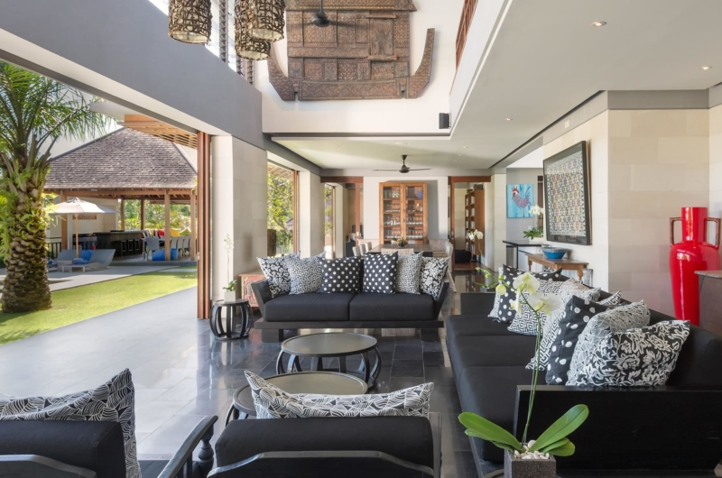 Indoor Living Area with View - Villa Bendega Rato - Canggu, Bali