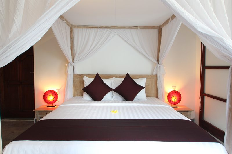 Four Poster Bed with Mosquito Net - Villa Bewa - Seminyak, Bali