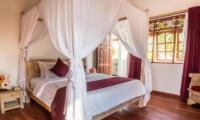 Bedroom with Wooden Floor - Villa Bewa - Seminyak, Bali
