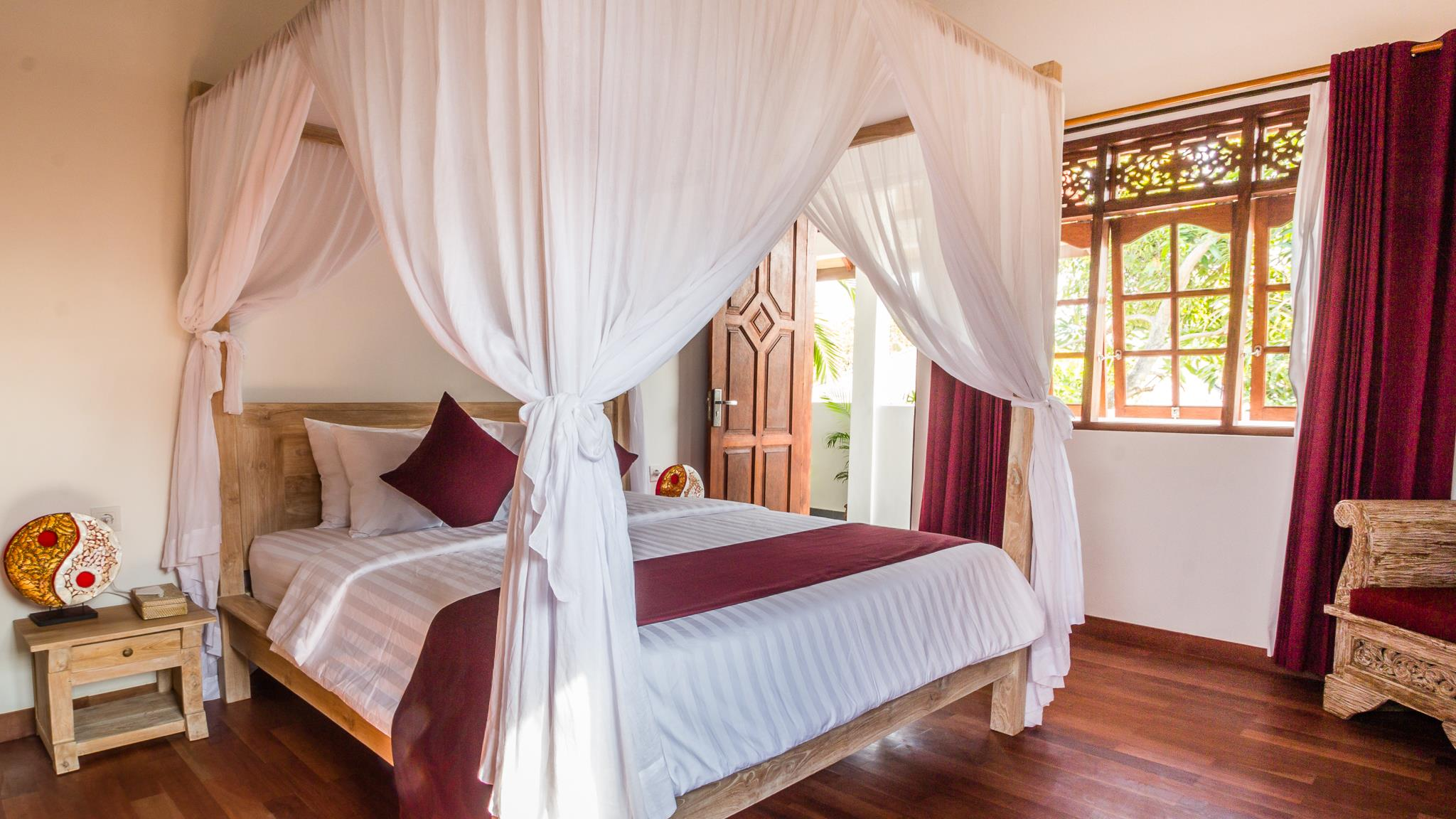 Bedroom with Wooden Floor - Villa Bewa - Seminyak, Bali