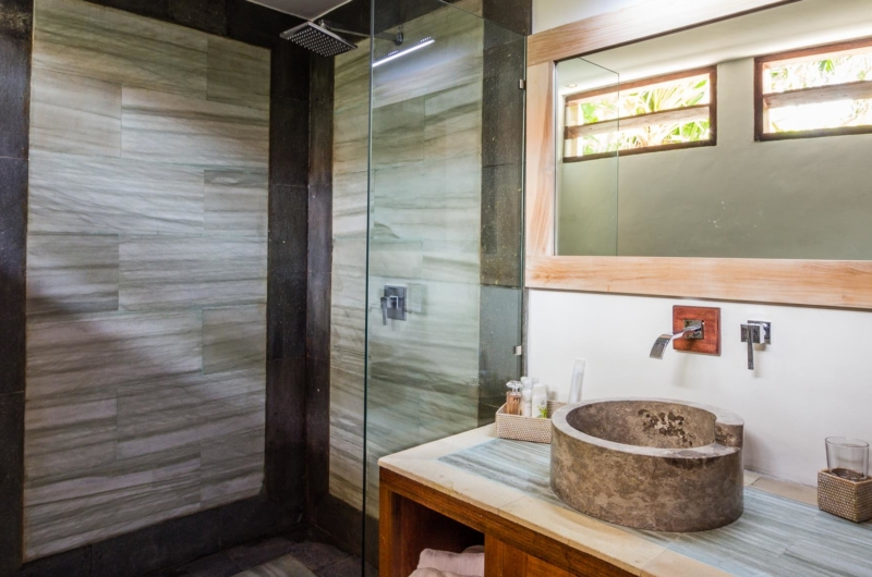 Bathroom with Shower - Villa Bewa - Seminyak, Bali