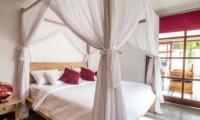 Bedroom with Four Poster Bed - Villa Bewa - Seminyak, Bali
