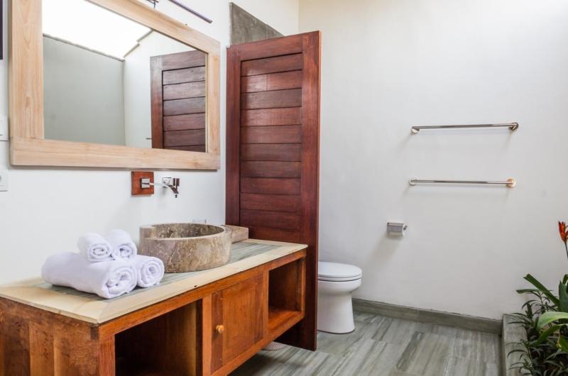 En-Suite Bathroom - Villa Bewa - Seminyak, Bali