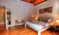 Bedroom with Mirror - Villa Bisi - Seminyak, Bali