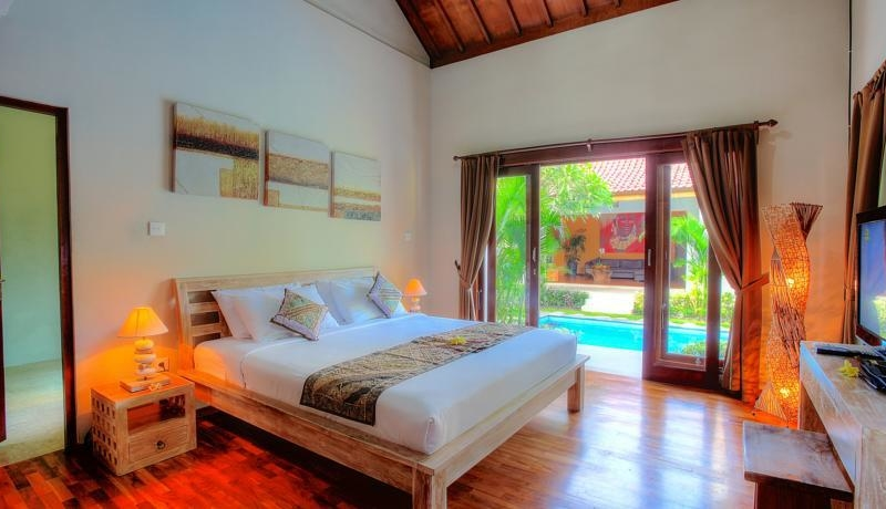Bedroom with Pool View - Villa Bisi - Seminyak, Bali