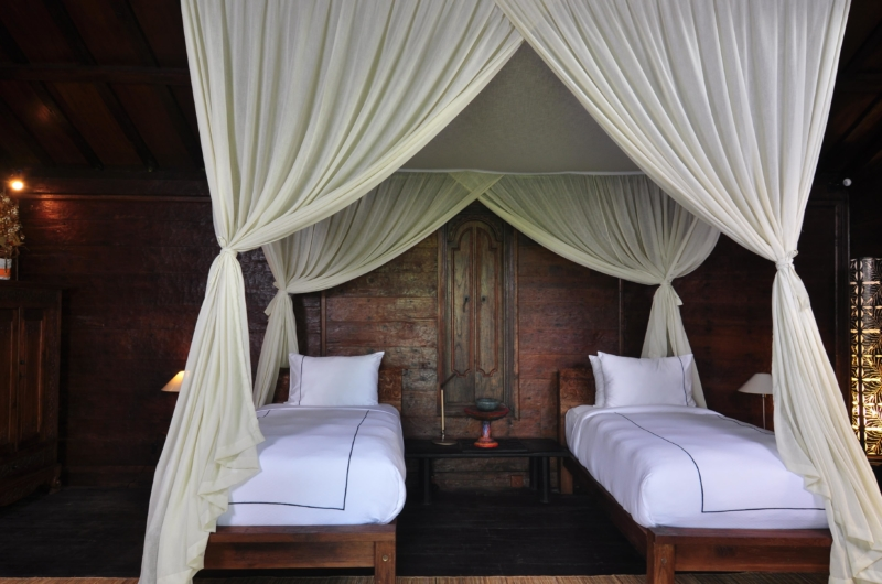 Twin Bedroom with Wooden Floor - Villa Bodhi - Ubud, Bali