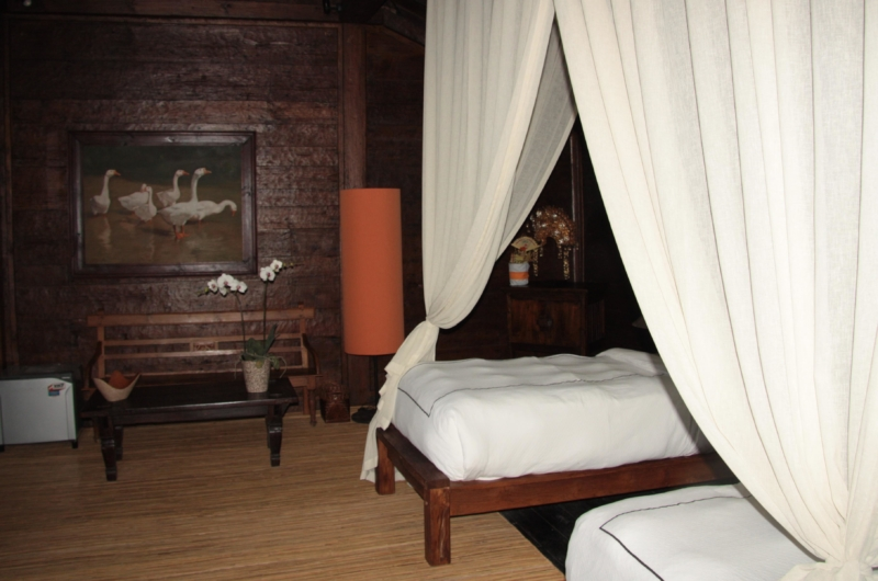 Twin Bedroom with Mosquito Net - Villa Bodhi - Ubud, Bali
