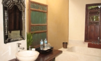 Bathroom with Bathtub - Villa Bodhi - Ubud, Bali