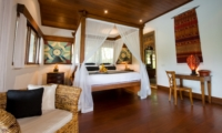 Bedroom with Study Table - Villa Bukit Naga - Ubud, Bali