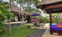 Lawns - Villa Bulan Madu - Uluwatu, Bali