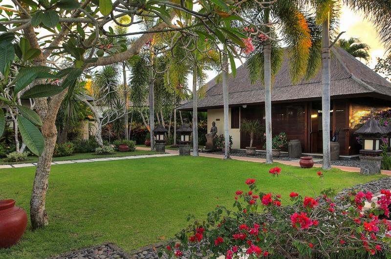 Outdoor Area - Villa Bulan Madu - Uluwatu, Bali