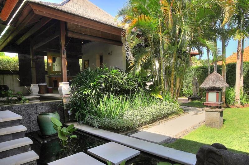 Pathway - Villa Bulan Madu - Uluwatu, Bali